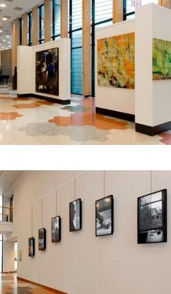 Art hanging gallery